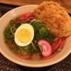 駅麺家 - 料理写真:がんばれカープ赤うどん 410円