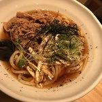 らー油肉つけうどんの南哲 - 料理写真:温かいお出汁のかかったうどん