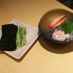 79438632 - カニ味噌つまみ(1,000円) 追加海苔、キュウリ