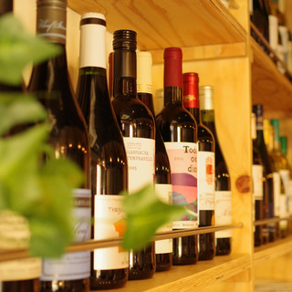 種類豊富なワイン!自然派ワイン豊富に取り揃えています!