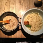 和醸良麺 すがり - つけ麺 もつ(1.5玉 ゆず麺) 900円