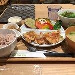 ナチュラル カフェ 健康食研究所 - 桜姫の竜田揚げカラフルおろし添え ¥980(税別)