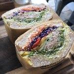 79452151 - スプラウトツナエッグサンドイッチ