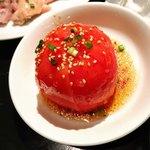 ホルモン焼肉 縁 - 冷やしトマト