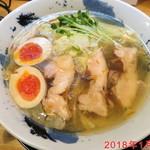 彩色ラーメン きんせい総本家 夢風 - 燻製鶏塩ラーメン \1000