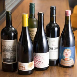 听屋のワインは全て、自然派ワインです。