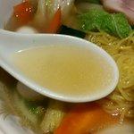 一番軒 - 適度に濃い塩スープ!