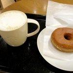 スターバックス・コーヒー - スターバックスラテ&シュガードーナツ!