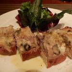 ラ ボッテガ デル オーリオ - サルシッチャとゴリゴンゾーラのせトースト フィレンツェのワインバースタイル