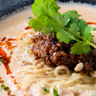 食べたものを魅了する【昊】の担担麺