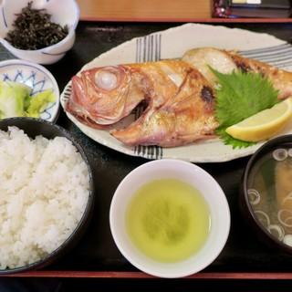 食事処 池田 - 料理写真:「金目鯛焼魚定食」(1800円)