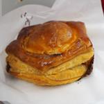神戸牛のミートパイ - 【東京駅限定】北海道産チーズと米沢牛のミートパイ