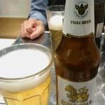 マンゴツリーキッチン グランスタ - シンハービール