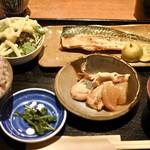逢坂料理 浪きり屋 - 鯖の塩焼き定食  800円