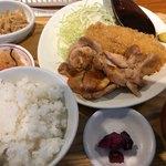 手仕ごと旬鮮台所 たかなし - あじフライと豚ロース生姜焼 1000円。