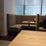 京都 つる家 茶房 - 仕切りのある席もあります