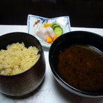 大阪屋旅館 - 最後はご飯と赤出汁で