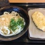 おかだ - 料理写真:今日のお昼ごはん 見た目はいつもの う ど ん