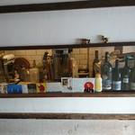 ナオミキャンプ - 土間の向こうが キッチン