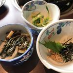 ろばた - ろばた(ジンギスカン定食の小鉢3種)
