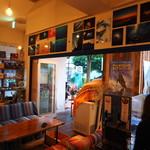 DivingShop&Cafe Gillman - 不定期で写真は入れ替えているので来る度に色々な海が見られるかも!
