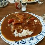 やまさき珈琲店 - カレー並盛600円。 野菜とお肉がゴロゴロ入ってます。
