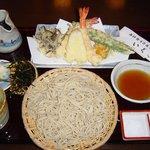 いぐさ - 細打ち 十割手打蕎麦の天ぷらせいろ  1370円