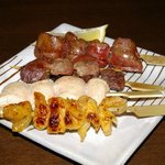 いぐさ - 東京軍鶏の串焼き盛合せ  レバー、ハツ、砂肝、ささ身、皮 各1本 800円