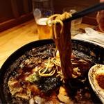 京都 五行 - 焦がし味噌麺リフト