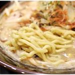 じゃぐら - ムッチムチの太麺。