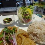 KUTSURO gu Café - ポークジンジャーグリルプレート