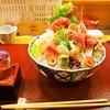 寿司割烹 たから本店 - 料理写真:お造りには日本酒よねぇ