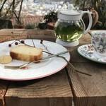 ミーシャのハーブ庭園 ブーケ ダルブル - なんとも絵になる一枚