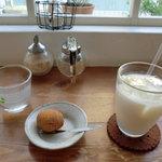 はらっぱ - 原とうふ店謹製豆乳、ミニドーナッツ
