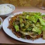 九州中華料理店 - 揚げそば¥570ライス(並)¥160