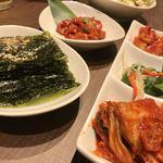 KollaBo - チャンジャ、キムチ三種、韓国海苔