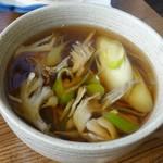 そば処 角弥 - 舞茸汁330円(税抜)