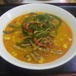 東方美食 - 担々麺 750円