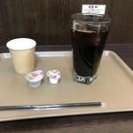 ホリーズカフェ - アイスコーヒー(L)