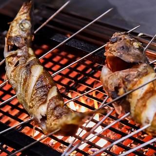 旬の食材を楽しめる炉端焼きをご堪能ください!