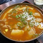 肉の宝屋 - 豚肉豆腐チゲ¥500
