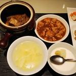 79534303 - 牛バラの特製壺スープ+豆腐と挽肉煮込み
