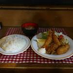 味利 - エビ&カキフライ定食