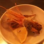 俺の魚を食ってみろ!! - 牡丹海老の頭と尻尾は唐揚げに。香ばしくて美味しい~♪