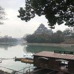 城見茶屋 - 店内から堀を隔てて望む岡山城