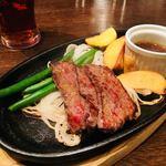 Jackson Farm & Grill - メインのカットステーキ。