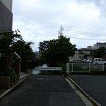 茶話処 十三夜 - ここで行き止まり.お堀はまだ東へ北へと延びています.