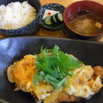 飯屋こふく - チキンカツの卵とじ定食