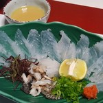 魚信旅館 - ③虎魚薄造り