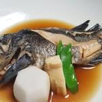 魚信旅館 - ⑤目張る煮付け